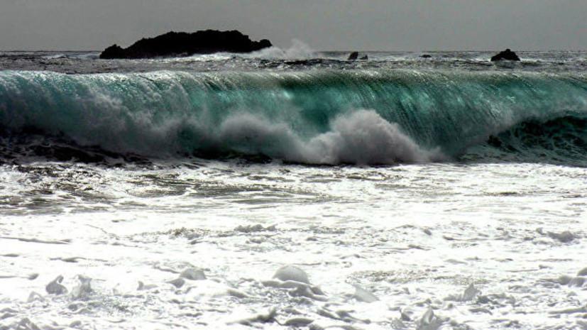 Власти Индонезии выпустили предупреждение о цунами