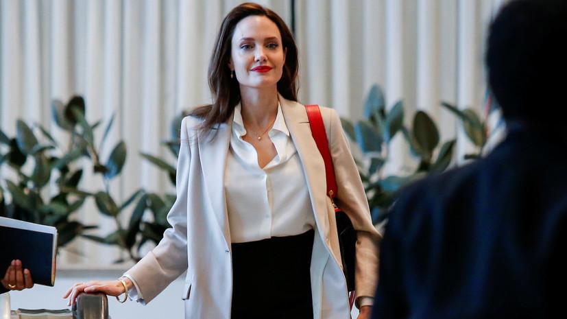 СМИ: Анджелина Джоли сменила фамилию