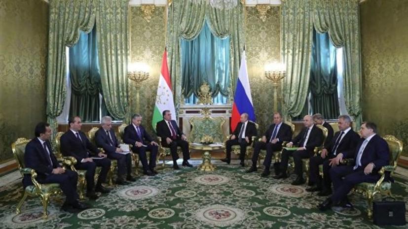 Путин отметил роль военной базы России в Таджикистане для мира в регионе
