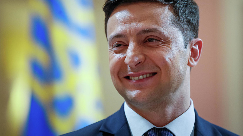 Опрос: Зеленский лидирует во втором туре выборов
