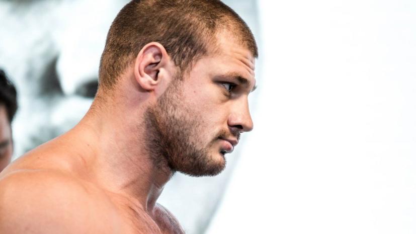 Дебютный бой Штыркова в UFC отменён из-за болезни