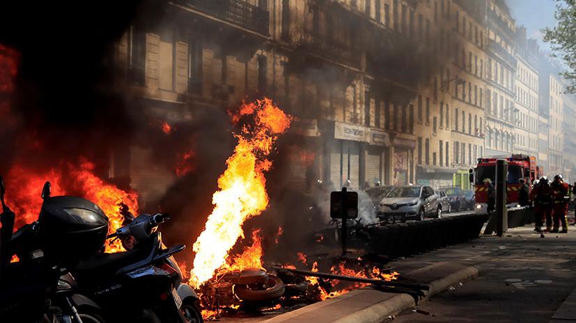 Эксперт объяснил беспорядки во время протестов «жёлтых жилетов» в Париже