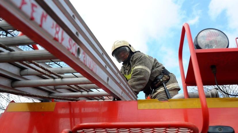 В результате пожара в Ленобласти сгорело здание на территории музея Рериха