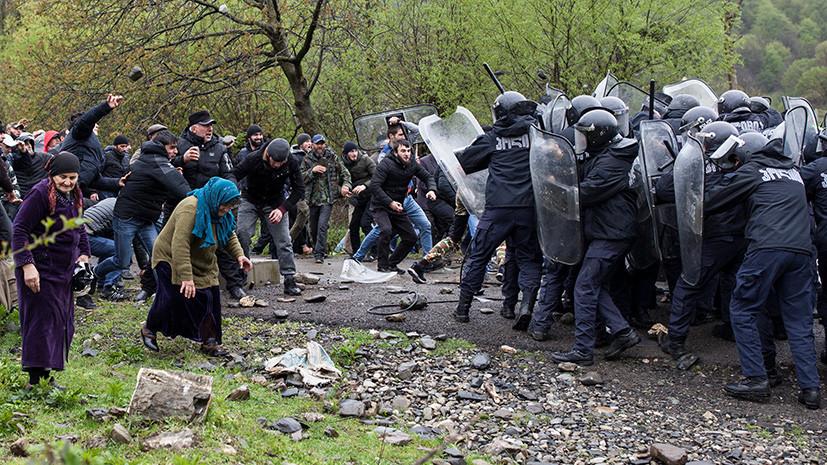Слезоточивый газ и резиновые пули: десятки человек пострадали в ходе протестов против строительства ГЭС в Грузии