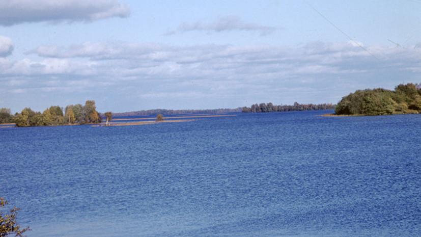 Прокуратура Карелии заинтересовалась нефтяным пятном в Онежском озере
