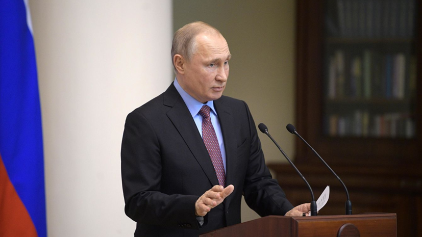 Путин поручил правительству принять меры поддержки виноделов