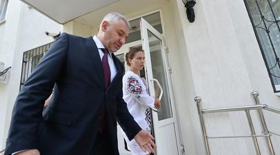 Суд в Москве принял иск экс-защитника Савченко к Скабеевой и Попову