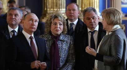 Путин и члены Совбеза посетили отреставрированную церковь в Пушкине