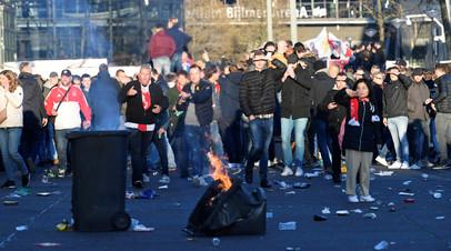 СМИ: Фанаты «Ювентуса» устроили беспорядки в Амстердаме перед матчем ЛЧ