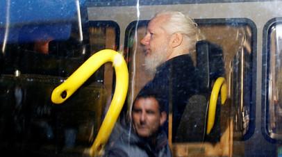 Джулиан Ассанж после задержания