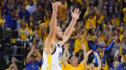 Карри вышел на первое место по количеству точных трёхочковых в плей-офф НБА