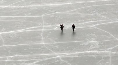 В Хабаровском крае с оторвавшейся льдины спасли пять человек