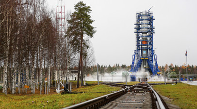 Ракета-носитель «Союз-2.1б» перед стартом с космодрома Плесецк