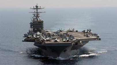 Американский авианосец USS Abraham Lincoln