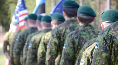 Американские и эстонские военнослужащие