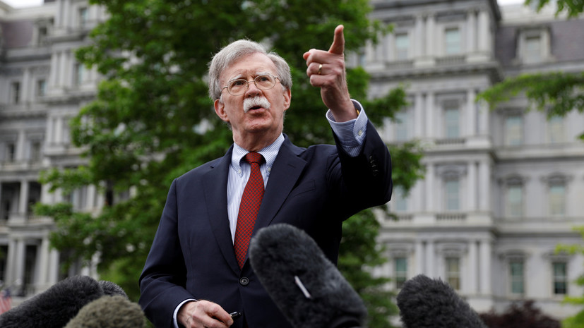 WP: Болтон подталкивает Трампа к военной операции в Венесуэле