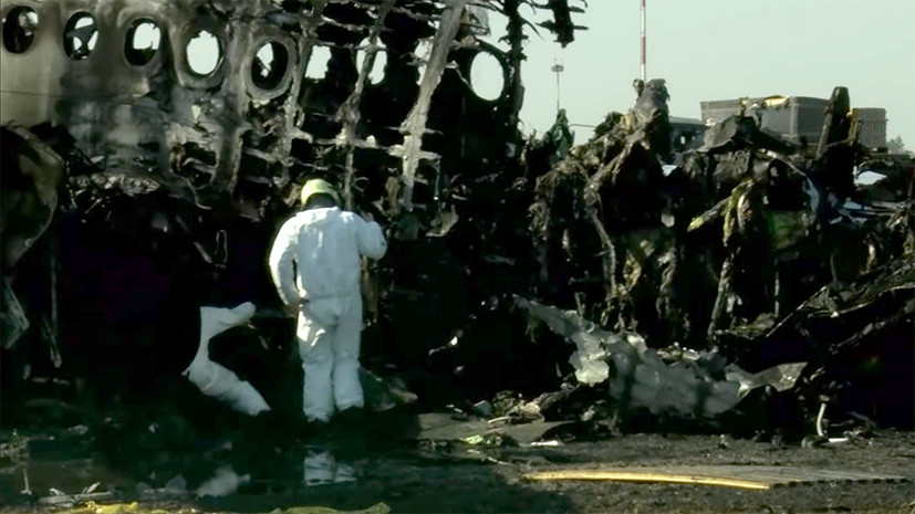 МАК начал расшифровку чёрного ящика сгоревшего в Шереметьеве самолёта