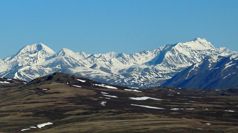 Идёт поисковая операция: при сходе лавины в горах Алтая погибли семь туристов