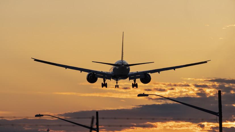 Самолёт «ЮТэйр» возвращается во Внуково из-за проблем с шасси