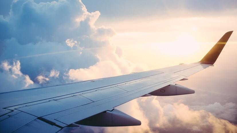 Самолёт экстренно сел в Одессе из-за сообщения о бомбе