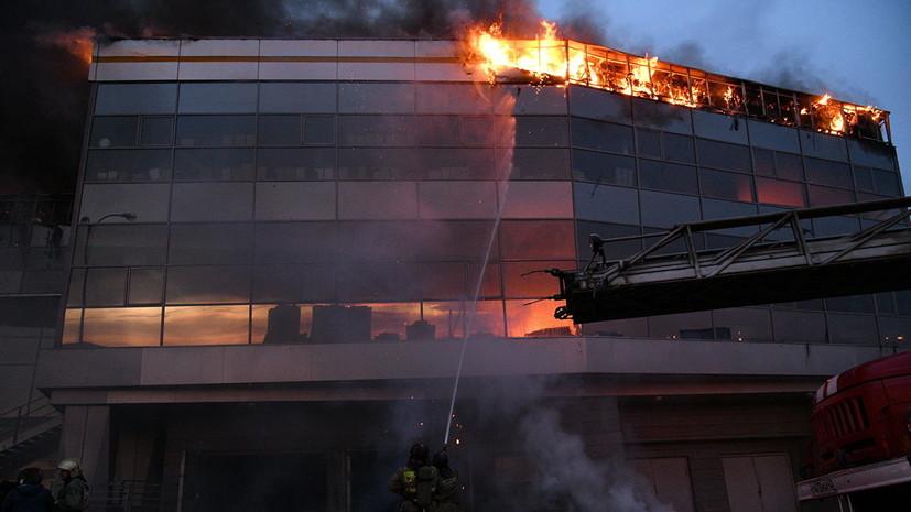 Пожар в автосалоне в Кемерове полностью ликвидирован