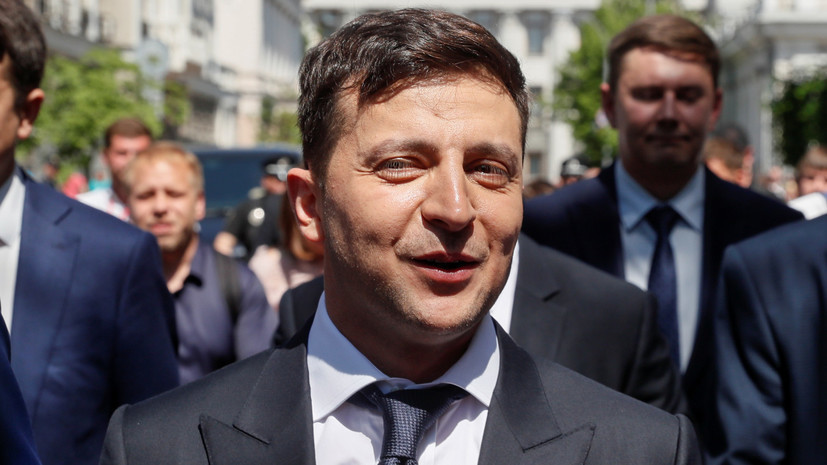 Зеленский призвал созвать заседание Рады для изменения закона о выборах депутатов
