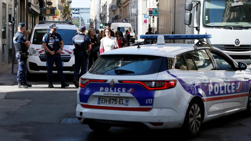 Опубликованы новые снимки подозреваемого в совершении взрыва в Лионе