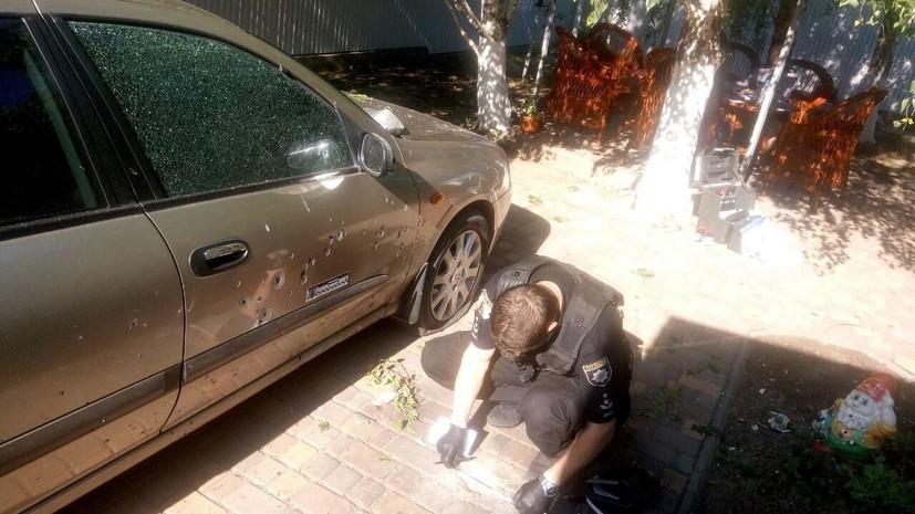 На Украине неизвестный бросил гранату во двор частного дома
