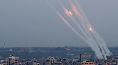 «Продолжать массированные атаки»: Израиль усилил группировку войск у границы сектора Газа после обмена ударами