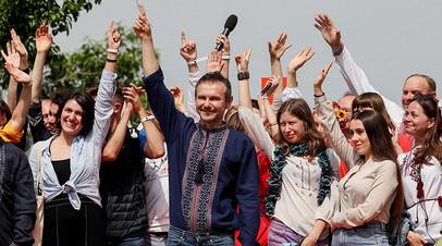 Лидер группы «Океан Эльзы» Святослав Вакарчук заявил, что намерен участвовать в парламентских выборах на Украине со своей партией «Голос»