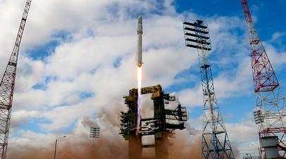 Ракета космического назначения «Ангара-1.2ПП» во время старта на космодроме Плесецк