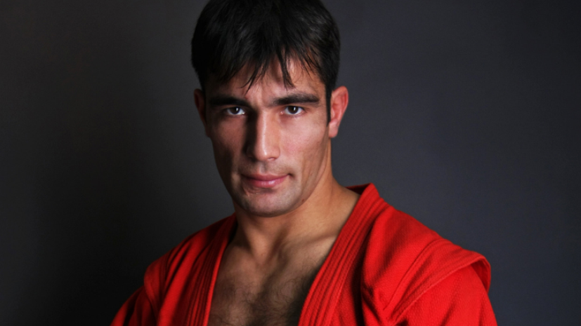 Чемпион мира по самбо Рахматуллин дал советы молодым спортсменам
