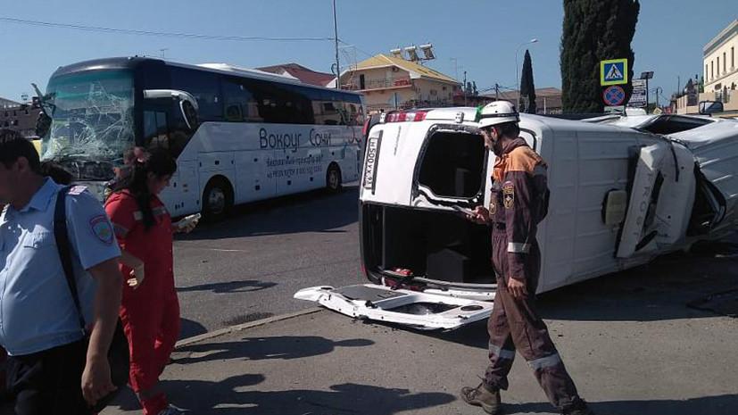 В МВД уточнили число пострадавших при столкновении автобусов в Сочи