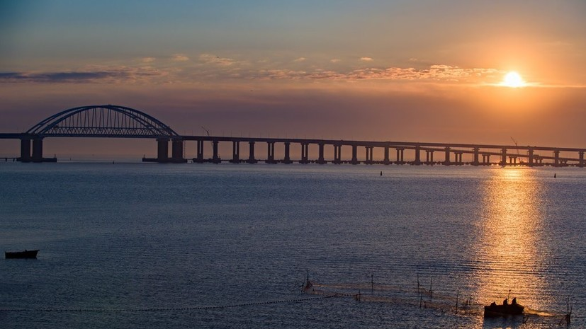 Названа дата начала движения поездов по Крымскому мосту