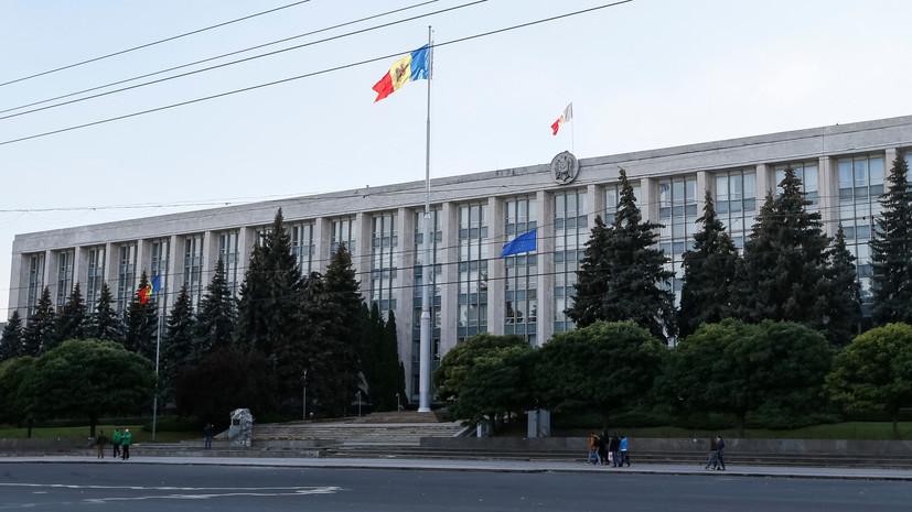 «Не соответствует Конституции»: Додон аннулировал указ о роспуске парламента и проведении досрочных выборов