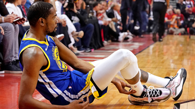 Победа ценой травмы: «Голден Стэйт» потерял Дюранта, но сохранил интригу в финале НБА