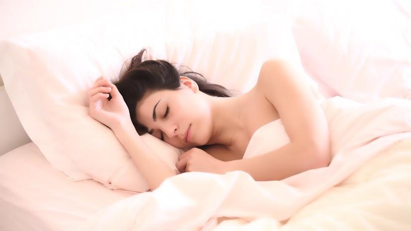 Сомнолог прокомментировал исследование о продолжительности сна