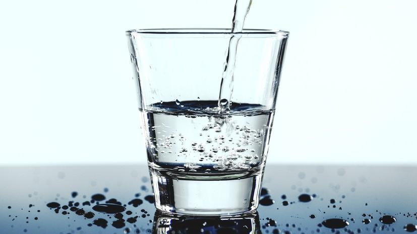 Эксперт оценила рекомендации «Роскачества» по выбору напитков в жару