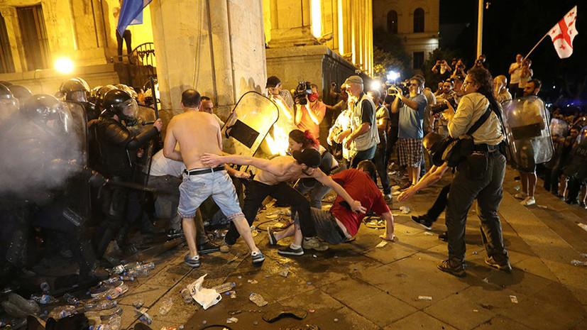 «Русофобская провокация»: в Москве оценили демонстрации грузинской оппозиции в Тбилиси