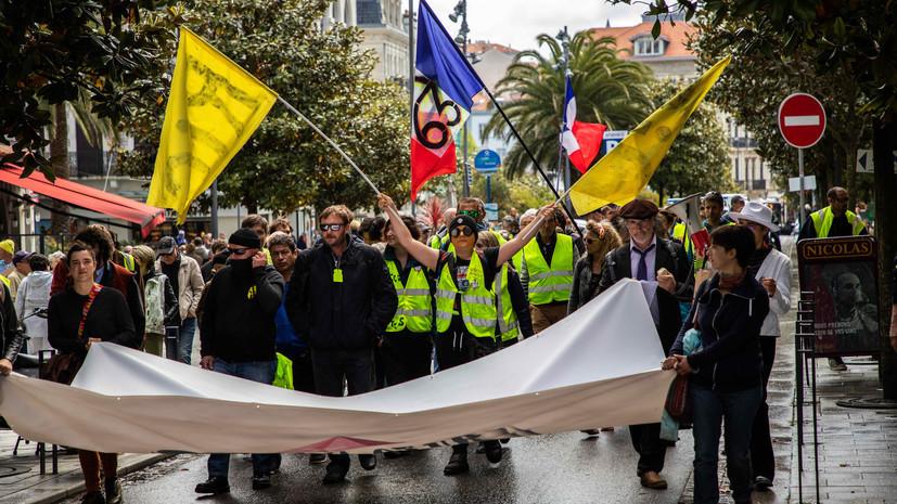 Почти 12 тысяч человек приняли участие в акции «жёлтых жилетов» во Франции