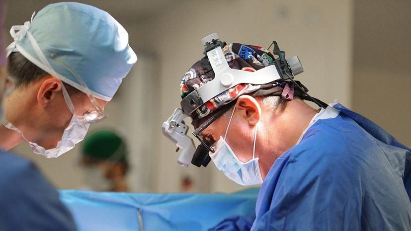 Тюменские хирурги удалили 15-килограммовую опухоль мужчине