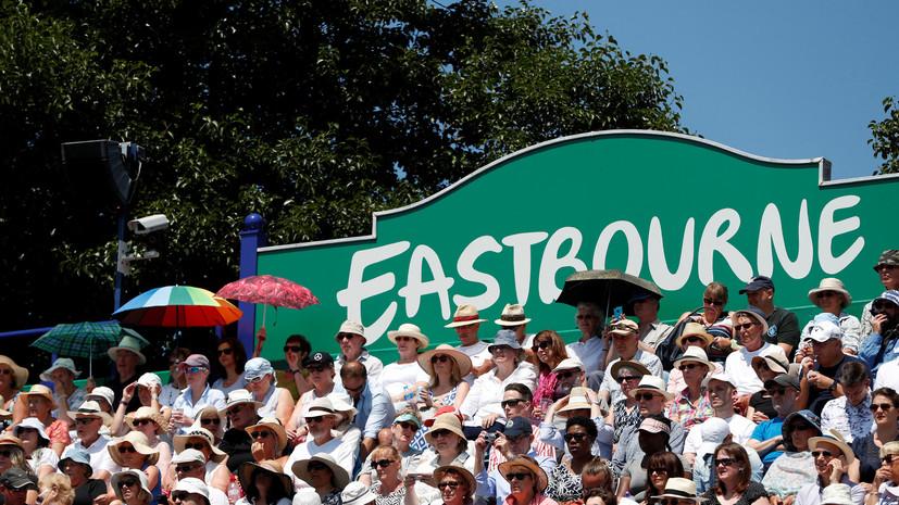 На теннисном турнире в Истбурне прервали матч из-за приземлившейся на корт чайки