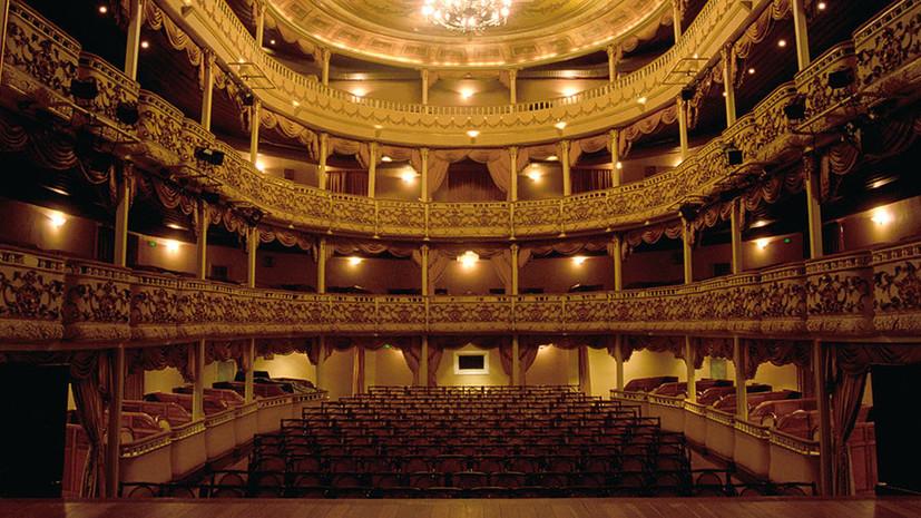 Борьба с перекупщиками: Госдума установила новые правила продажи билетов в театры