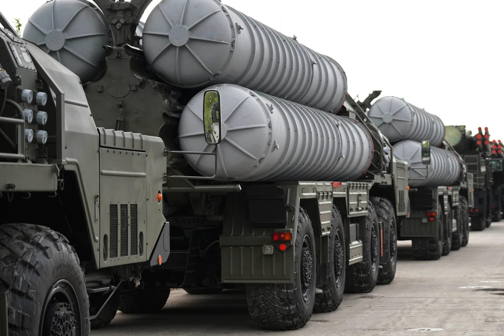 Ракетный комплекс С-400 РИА Новости © Игорь Зарембо