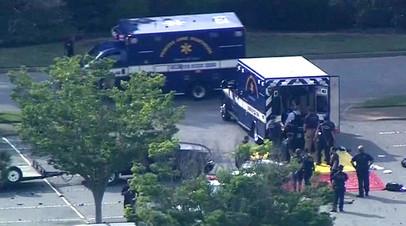 «Преступник купил оружие легально»: 12 человек погибли в результате стрельбы в Вирджинии