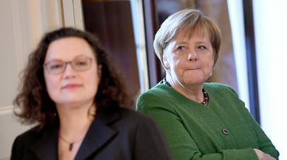 Меркель заявила о планах сохранить коалицию после отставки лидера СДПГ
