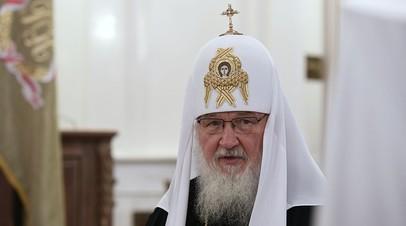 Патриарх Кирилл совершил богослужение в храме Архангела Михаила в Черняховске