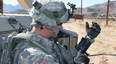 Солдат армии США с индивидуальной системой GPS