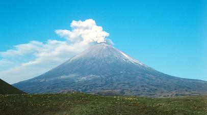 Вулкан Ключевской на Камчатке выбросил столб пепла высотой 5 км