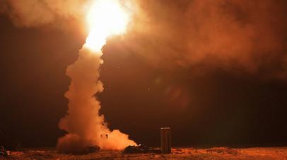 Пуск зенитных ракет на полигоне Ашулук в Астраханской области во время тактических учений войск Воздушно-космической обороны (ВКО) РФ